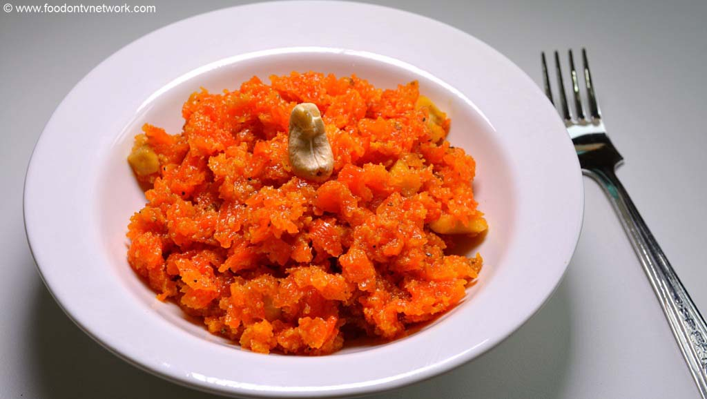 Home made Gajar ka Halwa Recipe in Hindi.