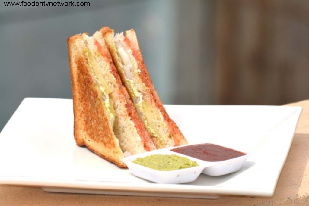 Home made Paneer Tawa Masala Sandwich Recipe in Hindi.