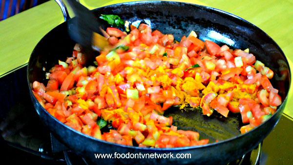 How to Cook Sev Tamatar Recipe in Hindi.