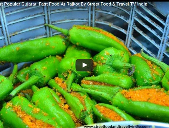 Bhajiya Popular Street Food. Street Food Gujarat. Street Food India. Indian Street Food. Besan Fast Food.