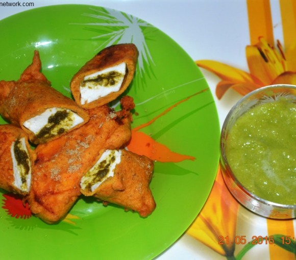 Paneer Pakoda Recipe. paneer pakoda is very famous north indian bhajji recipe.