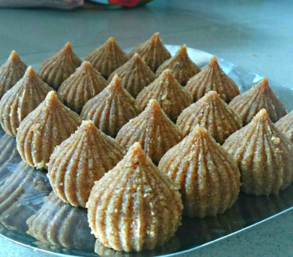 Churma Modak Recipe in Hindi. Modak Recipe. Indian Sweet Recipe. Indian Dessert Recipe.