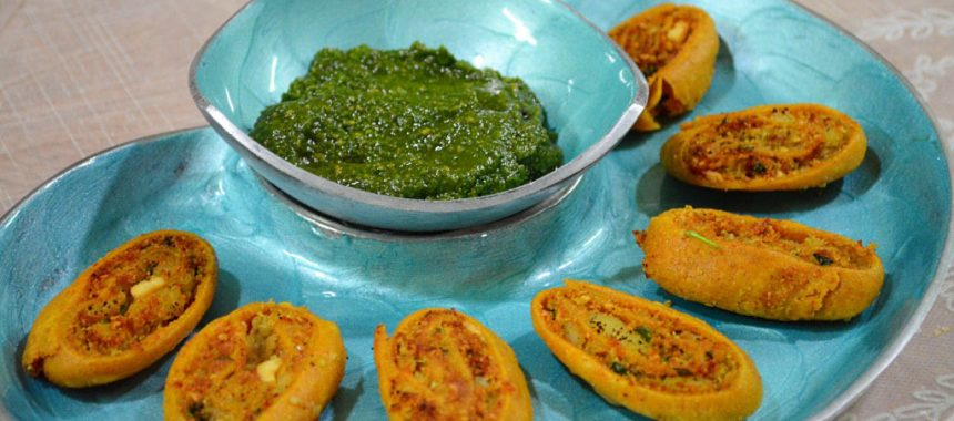 Aloo Bhakarwadi Recipe in Hindi with Step by Step Pictures | आलू भाकरवाडी